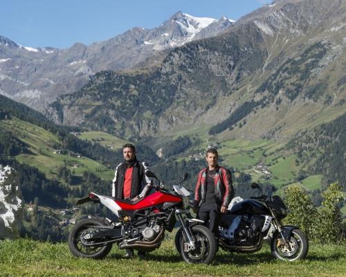 moto2A765E2B8-840C-7FF0-151E-B0389B70F734.jpg